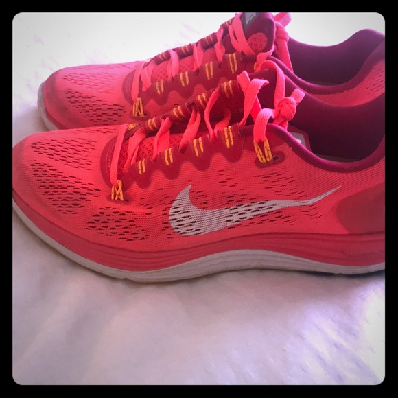 Womens Nike Shoes 75 Bright Coral Color